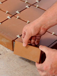 Set trim tile