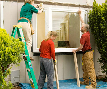 Installing a bay window how to install new windows in for Bay window installation
