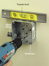 Attach level handy box