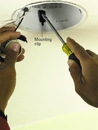 Push up mounting clip