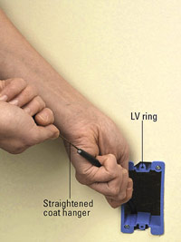 Tighten mounting screws