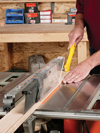 Crosscut on tablesaw
