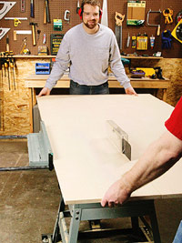 Rip top and bottom on tablesaw with helper