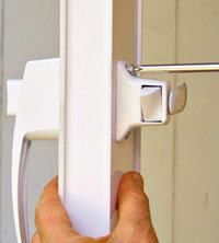 Attach handle