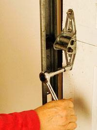 Tighten hinge bolts
