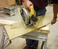 Cutting freehand with circular saw