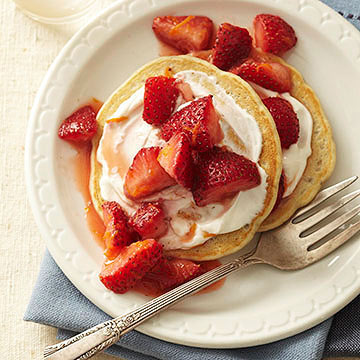 Strawberries and Cream Pancakes | Diabetic Living Online