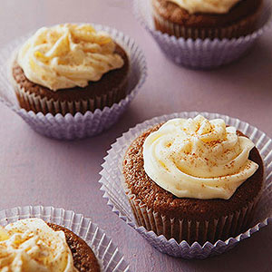 Gingerbread Cupcakes with Marshmallow Cream Cheese Frosting | Diabetic ...