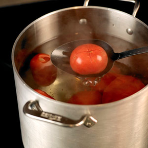Tomatoes in Boilng Water