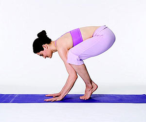 beginner yoga the crow position, yoga
