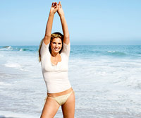 Daisy Fuentes arms up