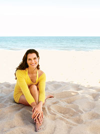 Brooke Shields on beach