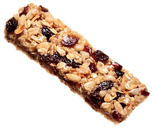 trail-mix granola bar