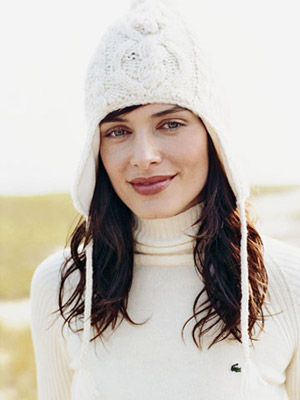woman wearing a winter hat