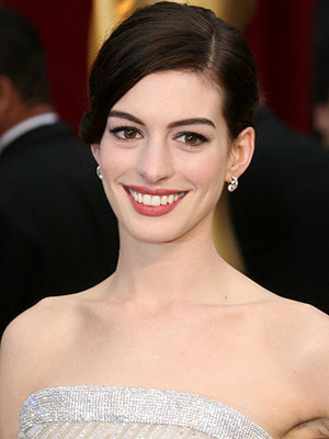 Anne Hathaway at the 2009 Oscars