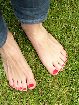 nail polish on toes