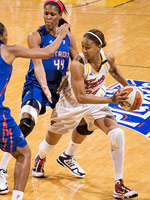 Tamika Catchings playing basketball