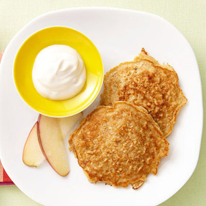 Apple-Cinnamon Oatmeal Pancakes