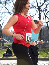 Beginner Half-Marathon runner, half marathon training plan, half marathon training schedule, training for a half marathon, half marathon training for beginners, half marathon training program, how to train for a half marathon