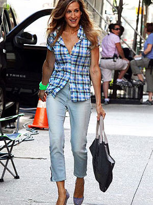 Sarah Jessica Parker wearing cropped jeans