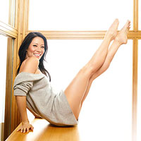 Lucy Liu showing off her toned legs