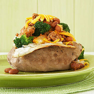 Potato with Veggie Chili, Broccoli & Cheddar