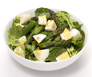 Egg-cellent Asparagus Salad, healthy salad recipes, green salad recipes, best salad recipes, easy salad recipes
