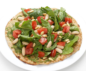 Pesto Pizza Salad, healthy salad recipes, green salad recipes, best salad recipes, easy salad recipes