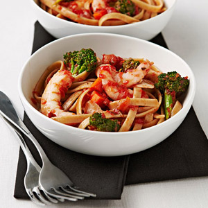 Fettuccine with Shrimp, Garlic, and Broccoli