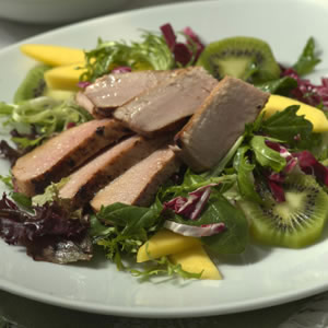 Fresh Tuna Salad with Tropical Fruits