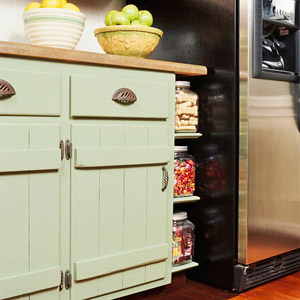 The homeowners gave their existing cabinetry doors a fresh country