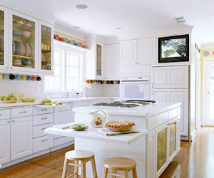 White island with low countertop