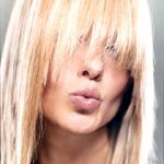Hair_Woman with blonde hair and bangs
