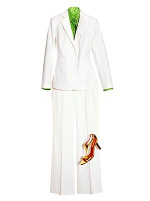 FullFigure_White suit with green shirt red shoe