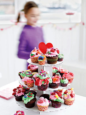 Decorated cupcakes on a tray