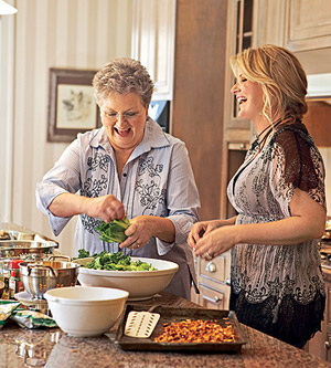 Trisha Yearwood and mom cooking