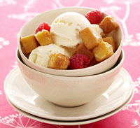 Ice cream with cake croutons