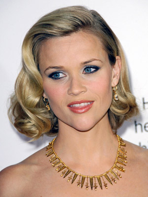 Reese Witherspoon, medium hair