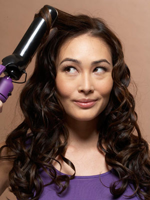 model using curling iron