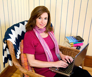 Lynne on computer