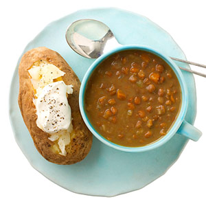 Baked potato and lentil soup