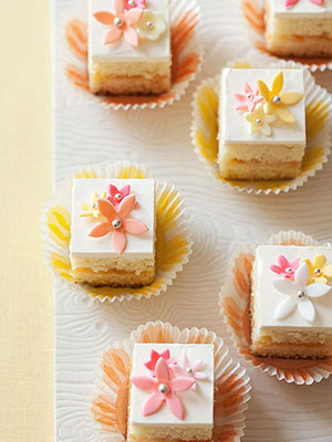 Flower-Power Petits Fours