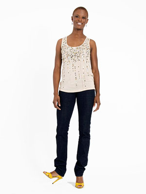 Woman wearing dark wash jeans