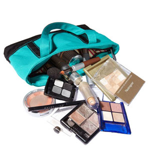 Nicole Teut makeup bag before