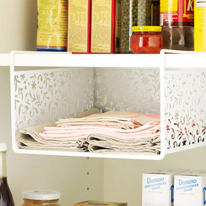 Vinea under-shelf basket