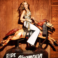 Sheryl Crow on horse