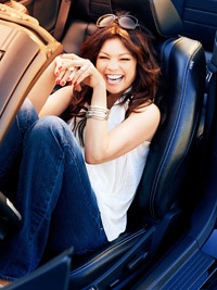 Valerie Bertinelli in car