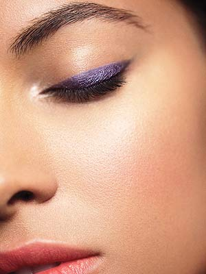 Model with purple liner