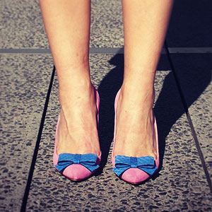 pink pumps with blue bow