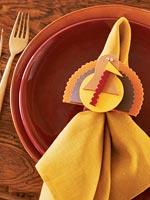 Thanksgiving napkin holder craft